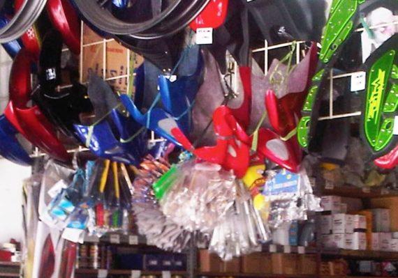 Jenis Aksesoris Motor yang Dijual di Toko Grosir Terlengkap